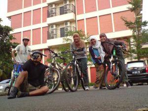 Menjalin Kerukunan & Kekompakan dg bersepeda